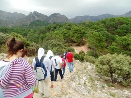 trekking to juanar